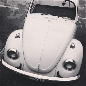 Old white Volkswagen car - image gratuit #331741