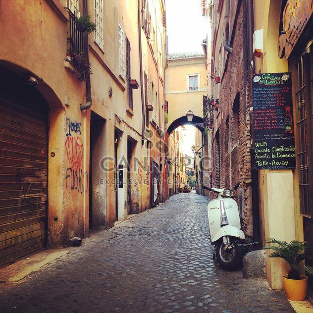 Узкая улица в Риме, Италия - бесплатный image #331781