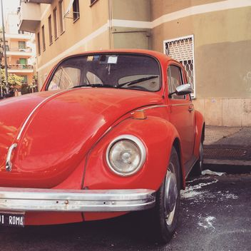 Red Volkswagen car - image gratuit #331971