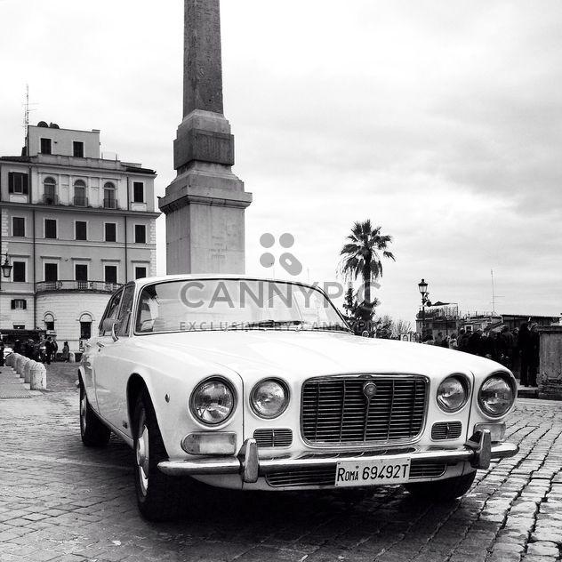 Alten Jaguar in der Straße - Kostenloses image #332301