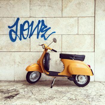 Retro Vespa scooter - бесплатный image #332361