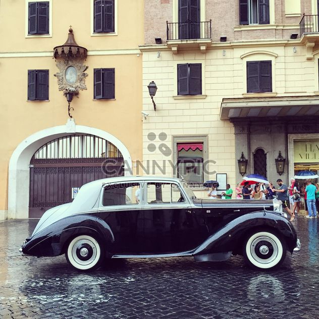 Rétro voiture Bentley dans la rue - image gratuit #332391