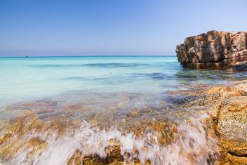 A high-dynamic look to this rocky sea shore - image #334251 gratis