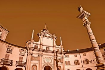 Architecture of italian church - image #334701 gratis