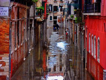 Venice rainy streets - image #334991 gratis