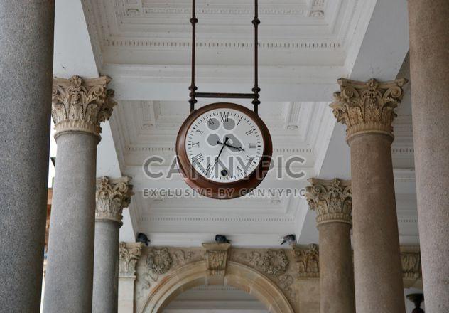 Relógio em colunata - Free image #335281