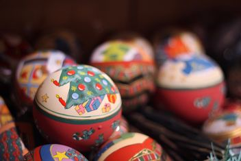 Close up of colorful Christmas balls - бесплатный image #341461