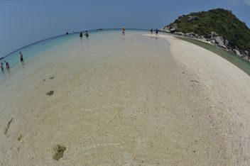 Sea beach of Nangyuan lsland in thailand - бесплатный image #344061