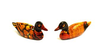 Two decorative ducks on white background - image gratuit #346601
