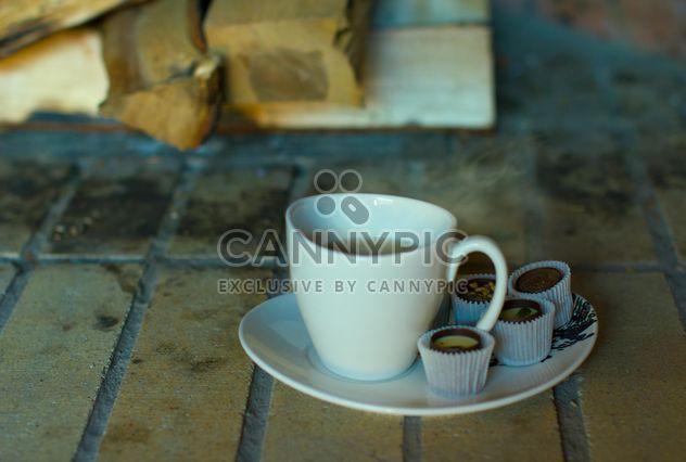 Tasse Tee und Schokolade Bonbons - Kostenloses image #347961