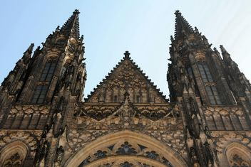 Exterior of the St.Vitus Cathedral in Prague, Czech Republic - image gratuit(e) #348411