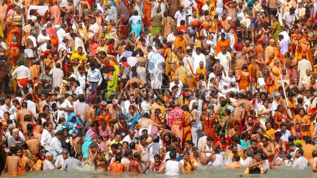 Bathing in Ganga river - Kostenloses image #359161