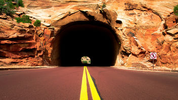 A Tunnel Through Zion - image gratuit #376461