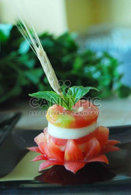 Tasty caprese salad - image gratuit #380481