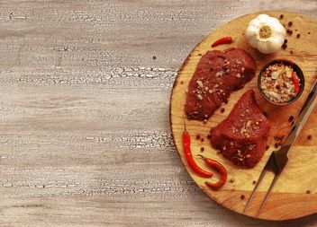 pieces of raw meat with spices barbecue - бесплатный image #136671