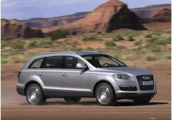 Silver Audi Q7 Wallpaper - vector gratuit #148981
