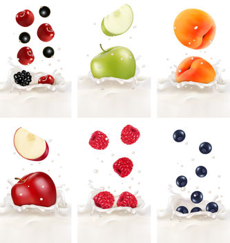 Realistic Fruits in Splashed Milk - vector gratuit #182451