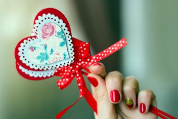 Decorative hearts in hand - image #182681 gratis