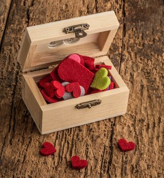 colorful hearts in a wooden box - image #182961 gratis