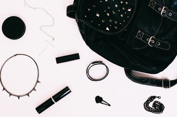 objects In mybag, black backpack - бесплатный image #183681
