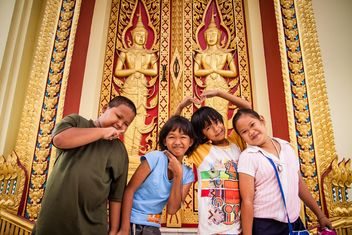 Happy asian children near temple - Free image #184171