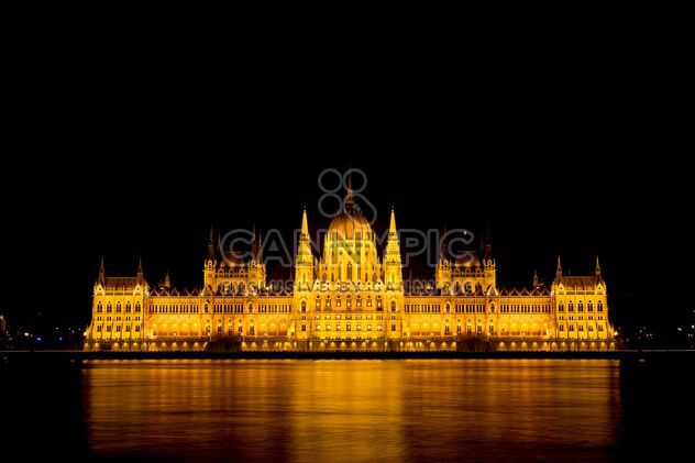 Budapest parliament at night - image #186231 gratis