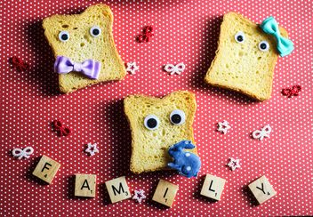 Funny toasts and word family of small cubes - image gratuit #187371