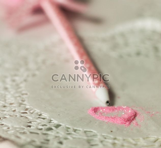 pink polkadot pen with a heart of glitter - Kostenloses image #187441