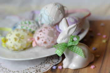 Easter cookies and decorative eggs - Kostenloses image #187561