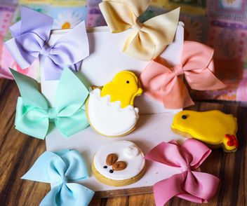 Easter cookies, bows and diary - image #187621 gratis