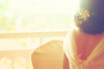 Bride in white dress - image #198091 gratis
