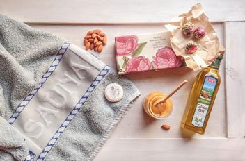 in my bag when I go to the sauna. towel, soap, almonds, honey, olive oil - бесплатный image #198931