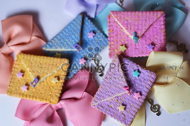 Cookies With A colorful Bows - image gratuit #201011