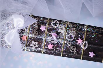 girly guitar glitter - image #201031 gratis
