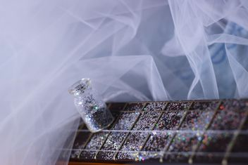 girly guitar in glitter - image gratuit #201041