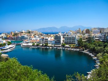 Agios Nikolaos town with harbor, Crete - бесплатный image #201421