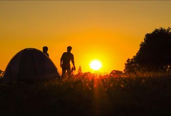 Sunset at tent camp - image gratuit #237281
