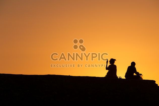 Silhouettes at sunset - image gratuit #271881