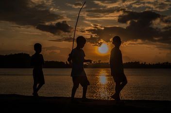 Silhouettes at sunset - image gratuit #271931