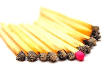 Burned matches and one survived - image gratuit #273191