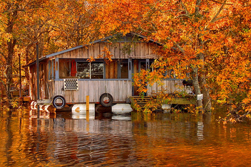 Floating camp on the Ouachita River by FinchLake - бесплатный image #280581
