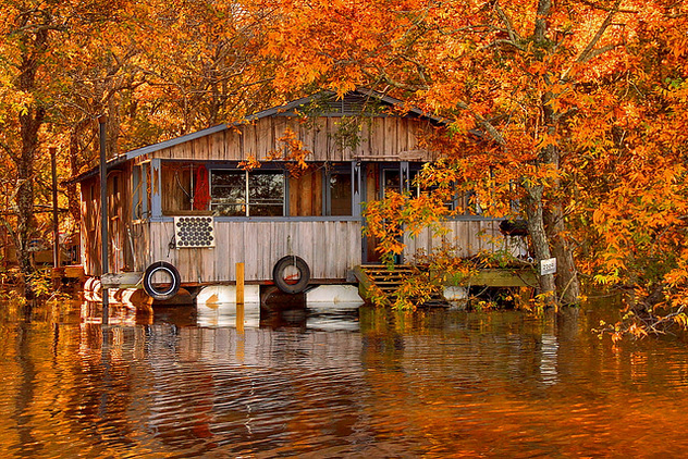 Floating camp on the Ouachita River by FinchLake - image gratuit #280581