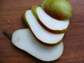 Pear-Slice_Pears-Fruit_31576-480x360 - image #284451 gratis