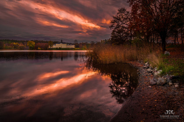 Ulriksdals Slott in fall and sunset - Free image #291281