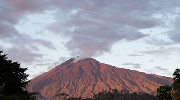 Mount Meru at Sunset - image gratuit #294711