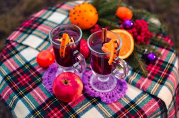 hot mulled wine in beautiful glasses - image gratuit #297521