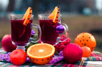 hot mulled wine in beautiful glasses - image gratuit #297531