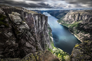 Lysefjord (from Kjerag) - Norway - Landscape photography - Kostenloses image #300331