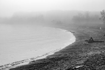 A Foggy Shore - Kostenloses image #301291