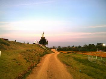 Parthway at countryside - бесплатный image #301401